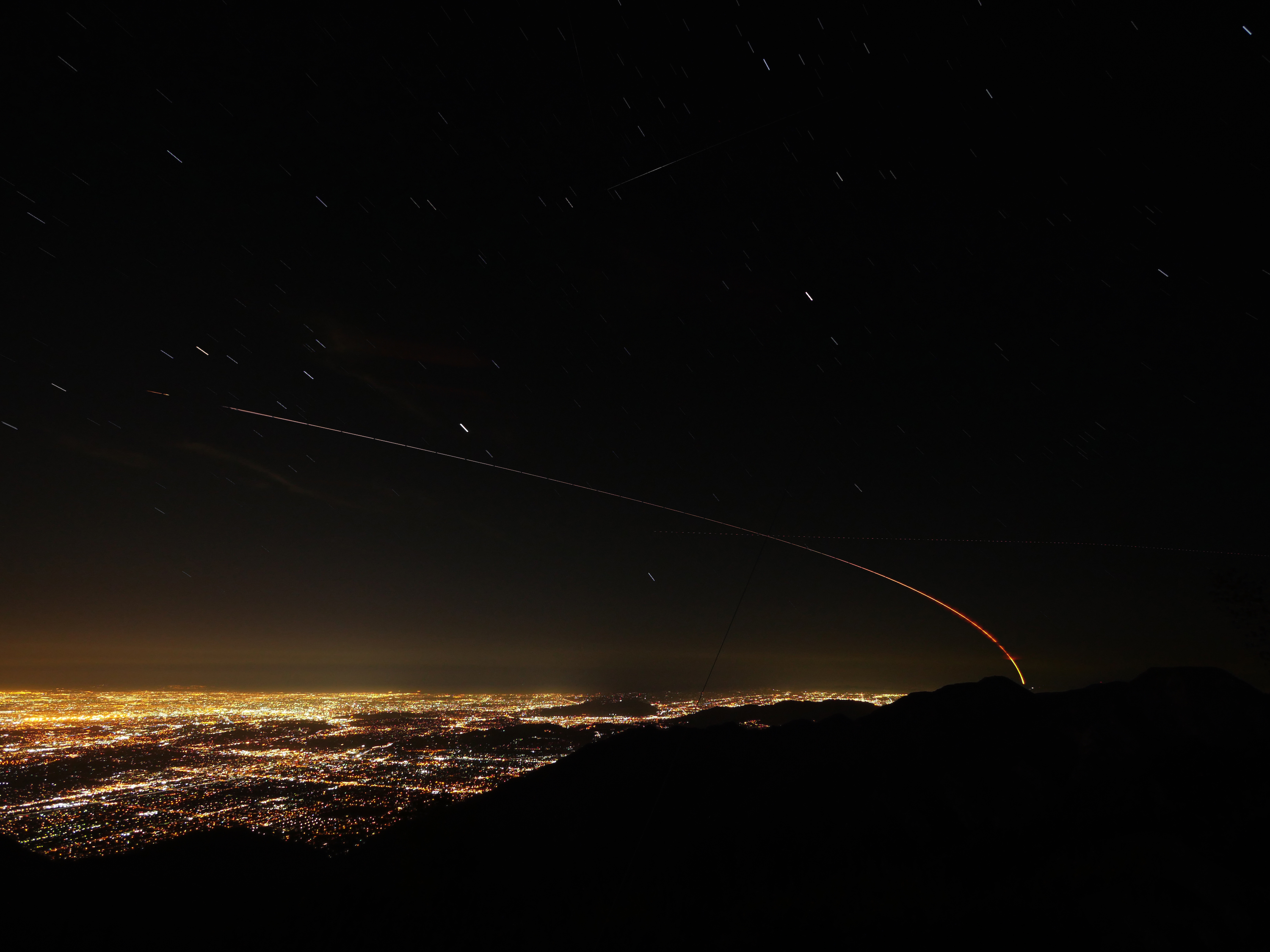 time-lapse image of insight streaking over LA