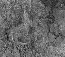 TItan_surface_flowing_liquid_evidence