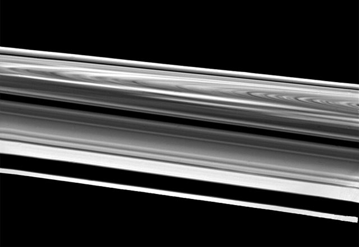 Wide-angle view of Saturn's Rings