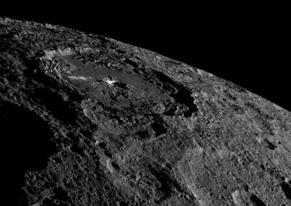 craters along the limb of Ceres