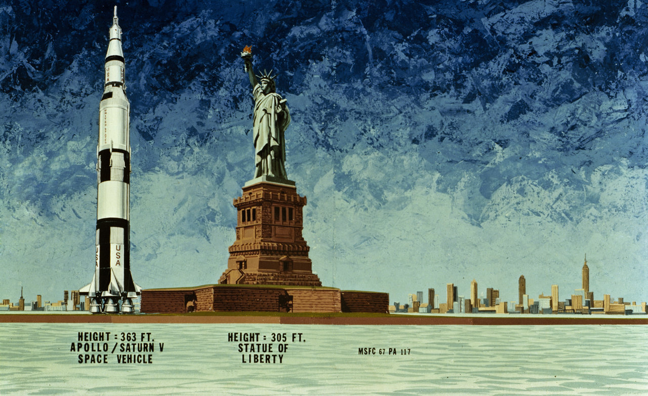 Graphic shows Saturn V is taller than the Statue of Liberty.