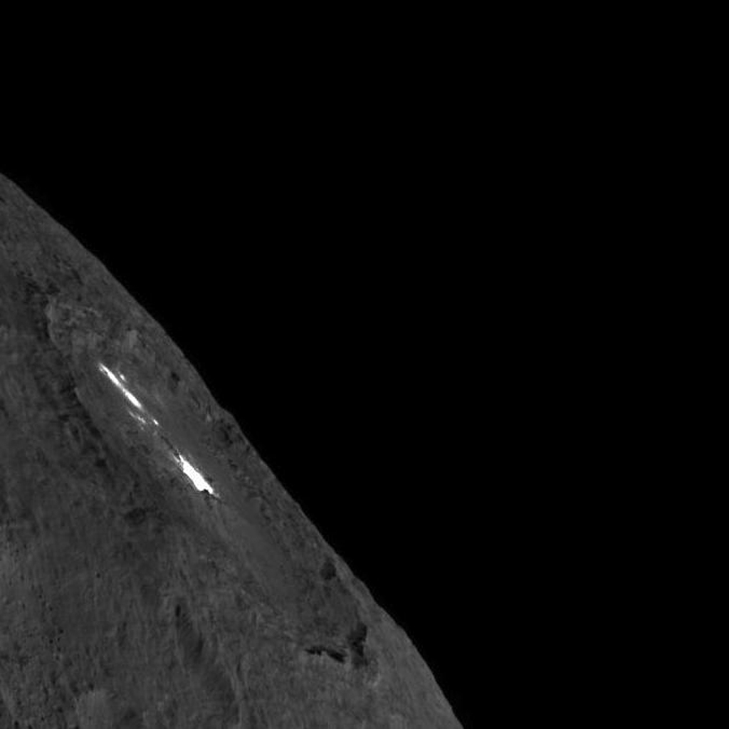 Occator Crater on Ceres' Limb -- Long Exposure