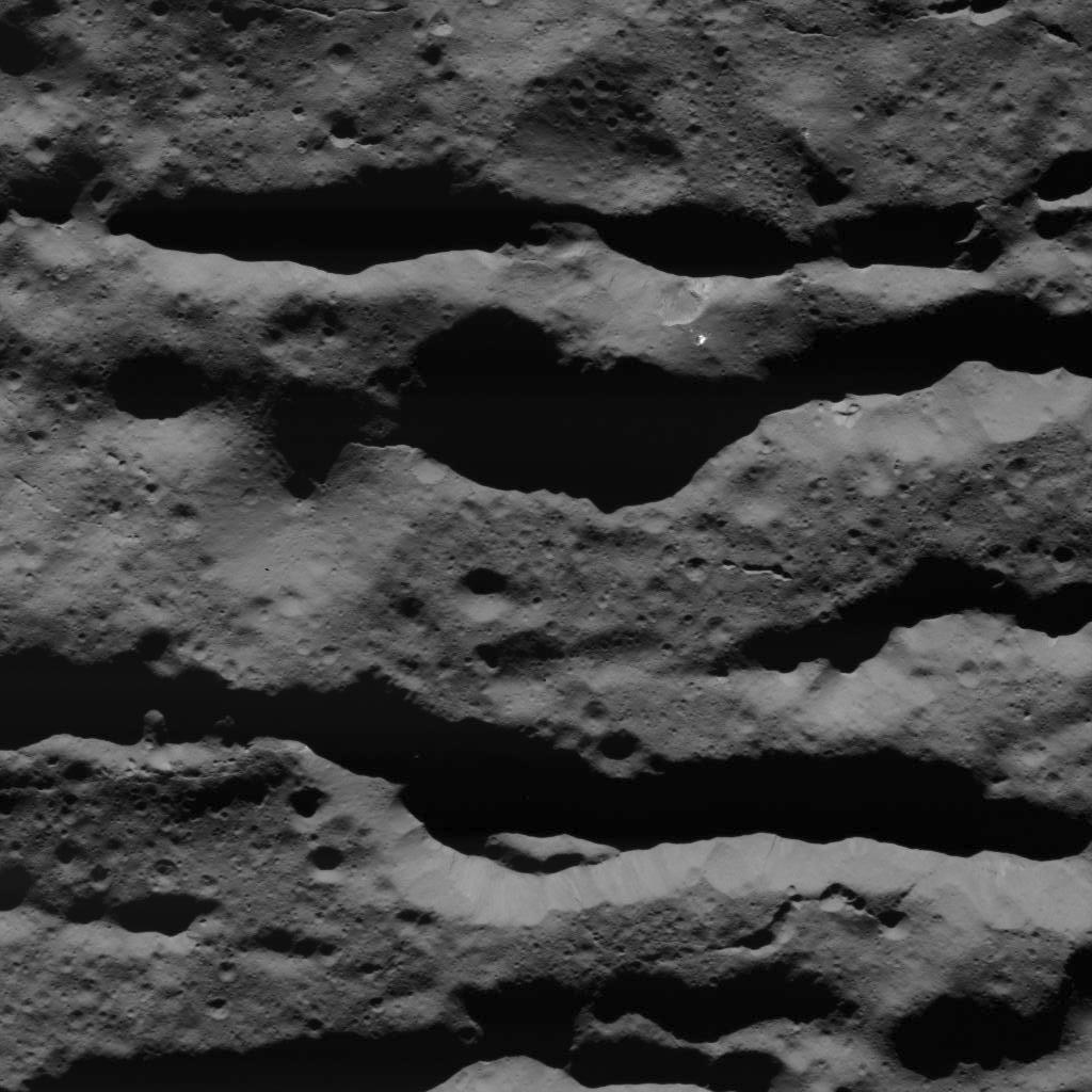 Deep Fractures in Occator Crater