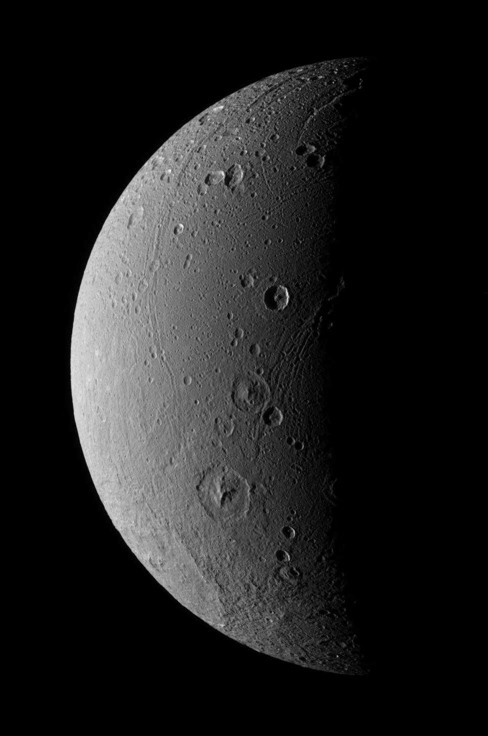 Leading hemisphere of Dione