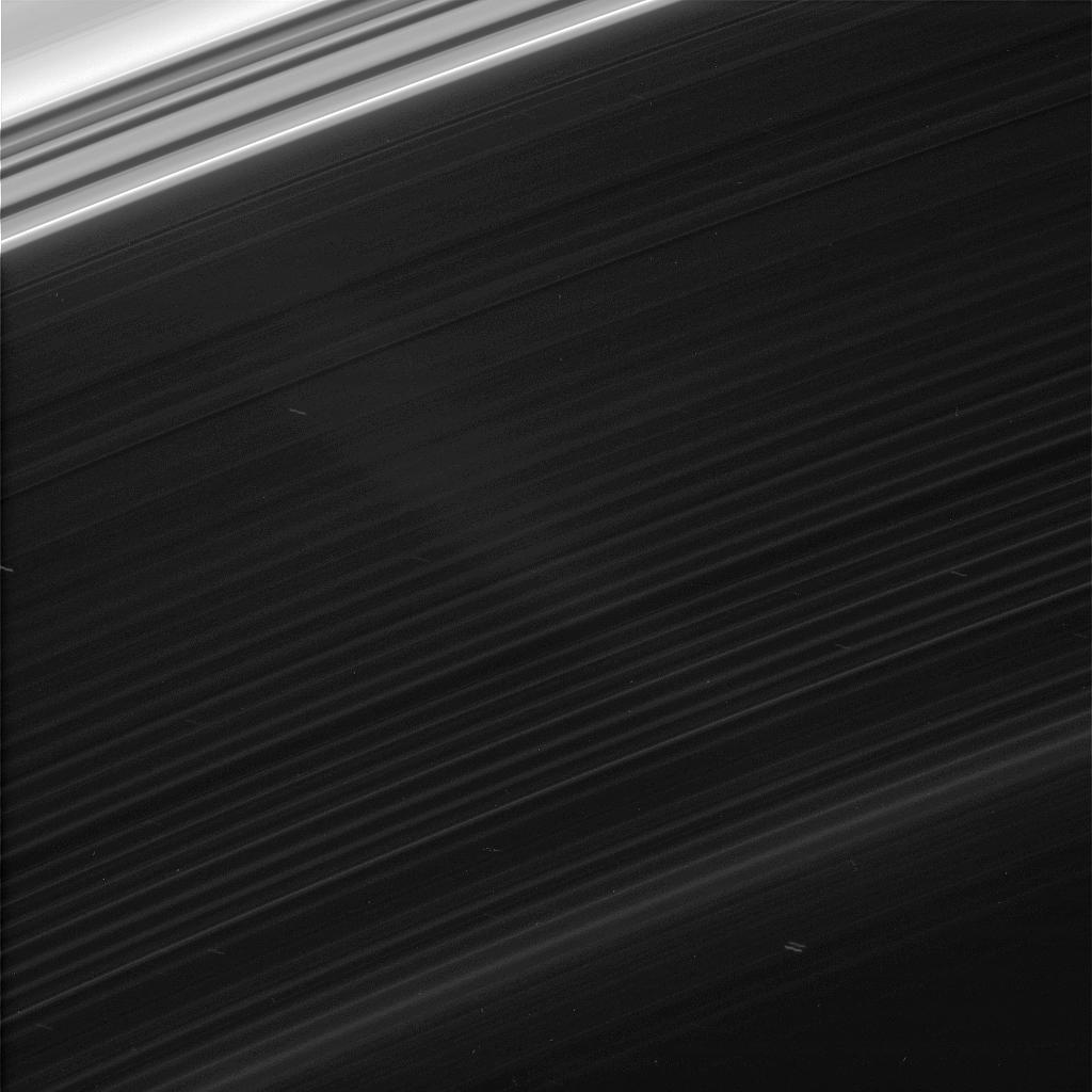 Faint features in Saturn's innermost ring, the D ring