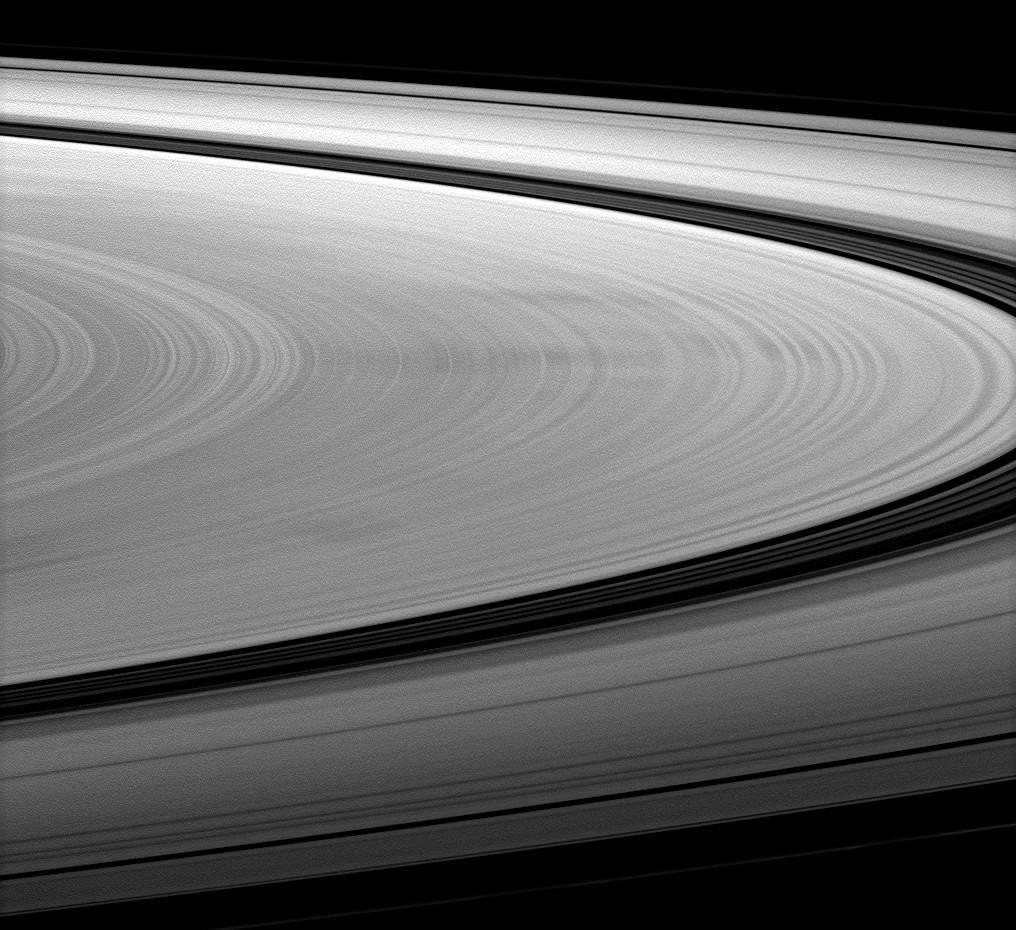 dark spokes on Saturn's B ring