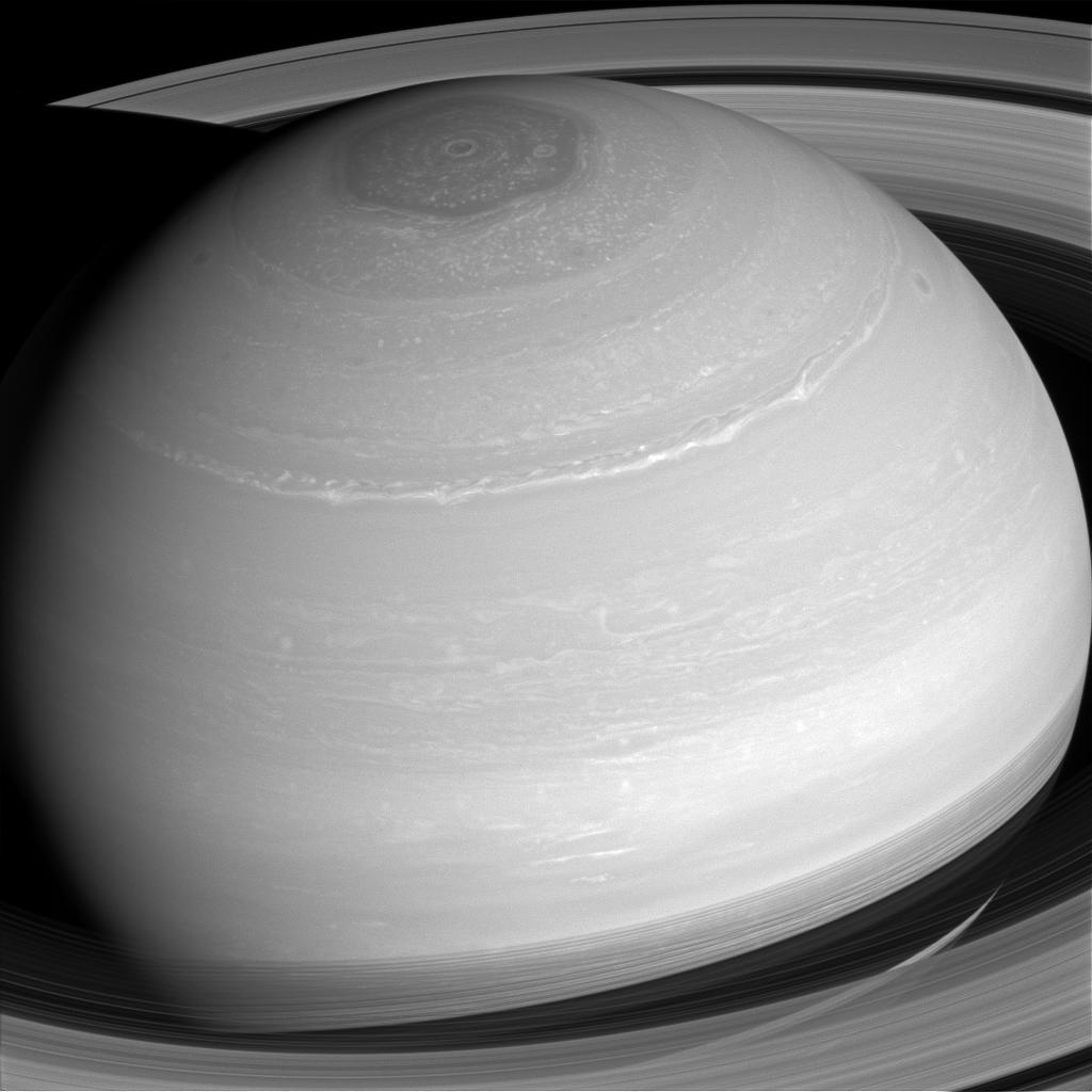 Saturn's cloud patterns