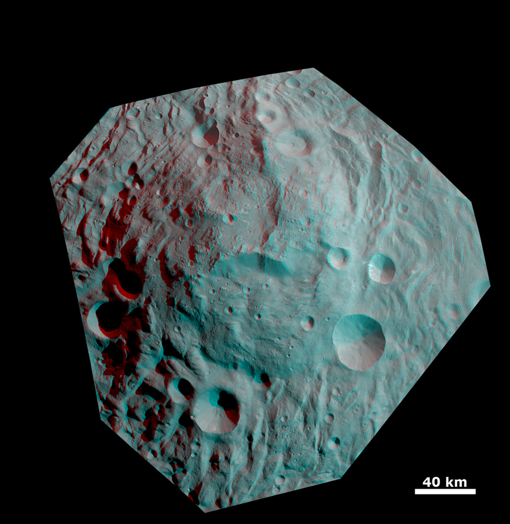 Anaglyph Image of the Mountain/Central Complex in the South Polar Region