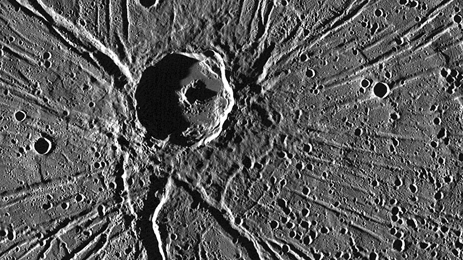 One of the most captivating views acquired during MESSENGER's first Mercury flyby was of the crater Apollodorus surrounded by the radiating troughs of Pantheon Fossae.