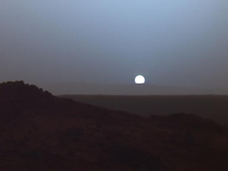Sunset at Mars' Gusev Crater (Spirit)